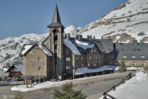 Snow, Winter, Town, Mountain village, Architecture, Building, Medieval architecture, Roof, Mountain, Village,
