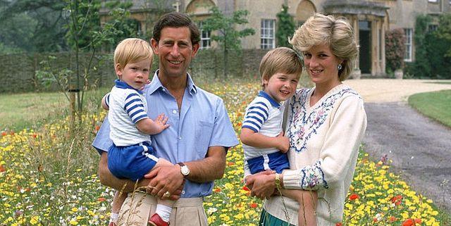 Foto Natale Famiglia Reale Inglese 1990.Lady Diana Figli E Storia Di Una Maternita Controversa