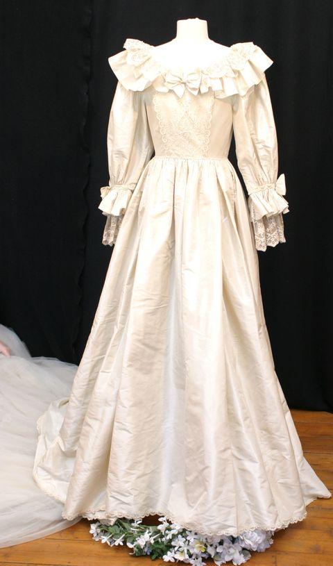 40c746633200 lady-diana-abito-sposa. La replica (incompleta) dell abito da sposa di ...
