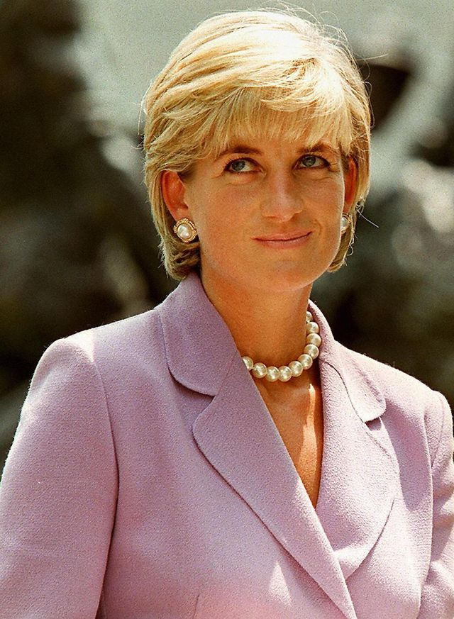 washington, united states  files this picture taken 17 june 1997 shows diana, princess of wales, a key volunteer of the british red cross landmine campaign at red cross headquarters in washington dc a french appeals court 14 september 2004 acquitted three photographers of charges they broke privacy laws by photographing diana, princess of wales the night of her fatal accident in paris in 1997 the verdict upheld a november 2003 judgement clearing the photographers    fabrice chassery, jacques langevin and christian martinez    of the same charges   afp photo by jamal a wilson  photo credit should read jamal a wilsonafp via getty images