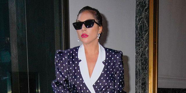 lady gaga verlaat hotel op 31 juli 2021 in new york