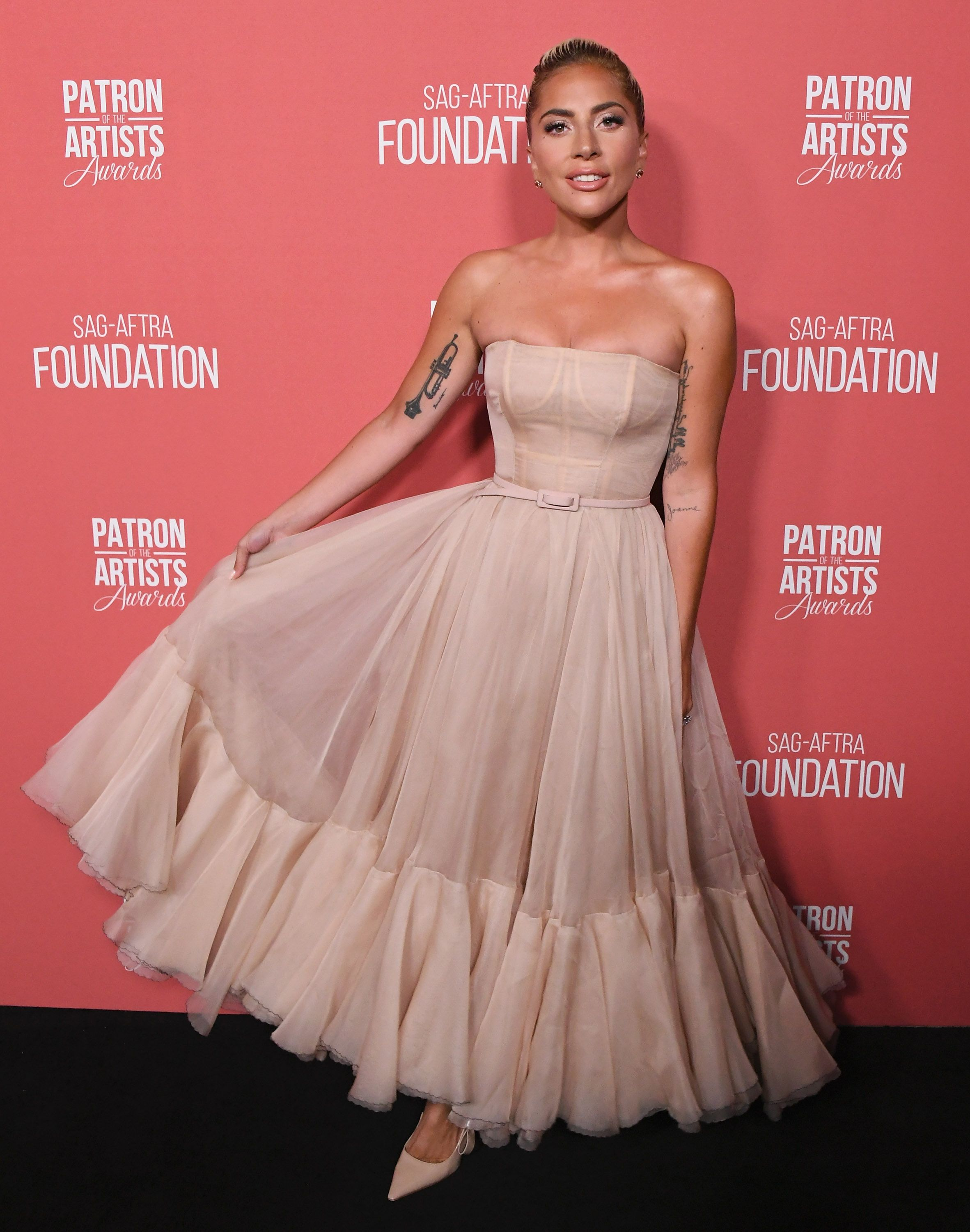 456a75fe474 Lady Gaga's Best 'A Star Is Born' Outfits - Every Single Outfit Gaga Has  Worn During the ASIB Promo Tour and Awards Season