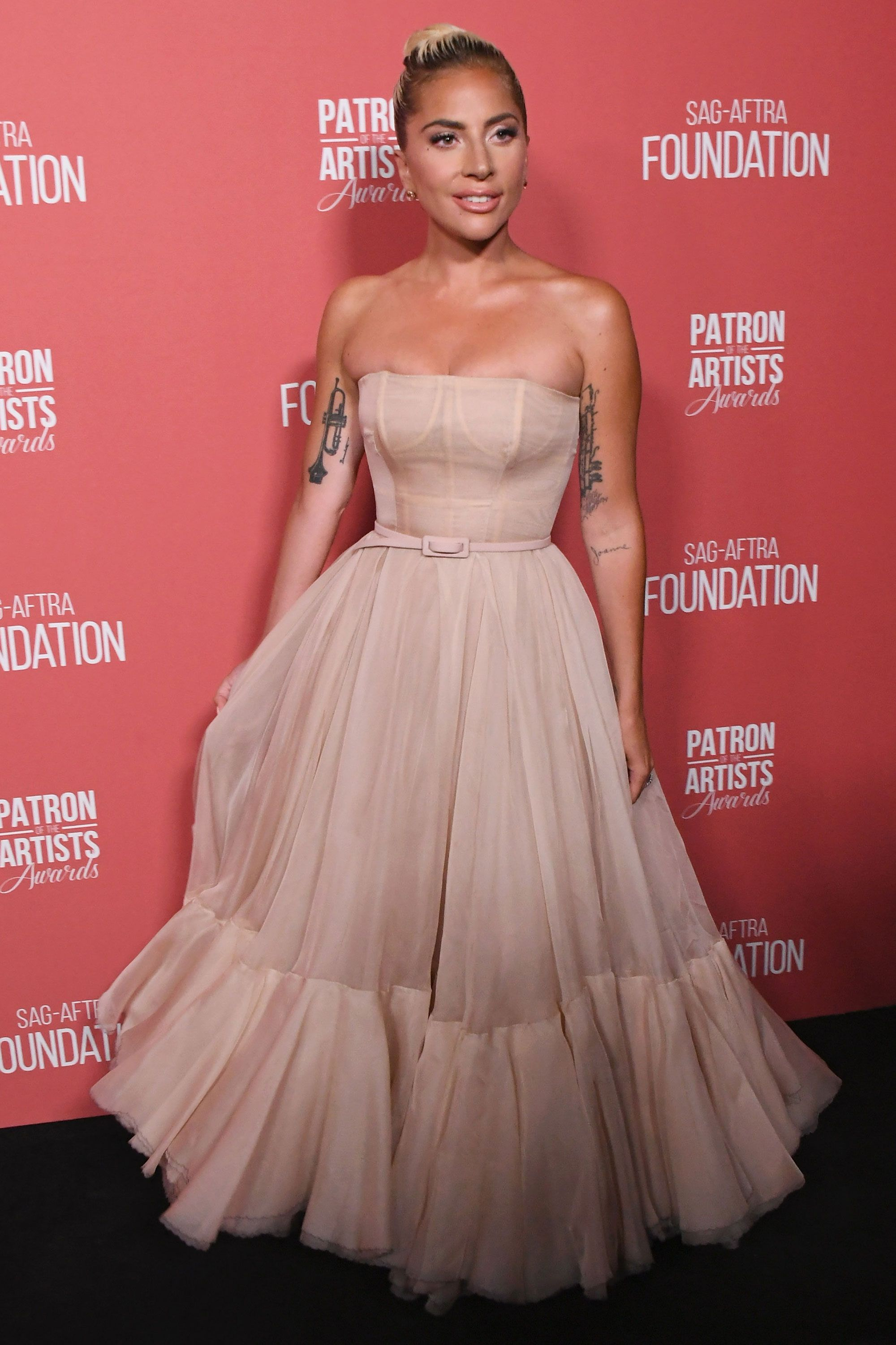 ca74bdf66112 Natalie Portman s ballet-inspired Dior Couture gown took 250 hours ...