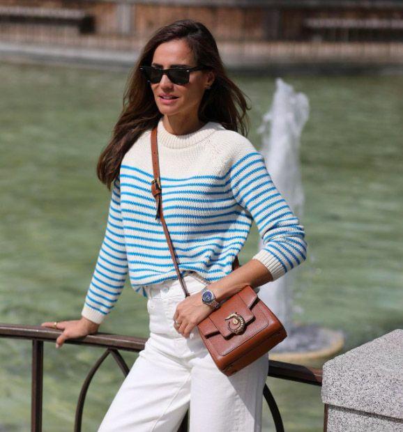 Jersey de rayas y vaqueros blancos culotte, el combo de Zara casual de primavera por Silvia Zamora