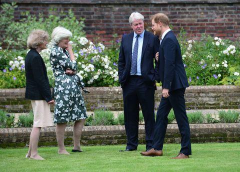 威廉、哈利王子因黛妃再次重聚!黛安娜60歲冥誕喜見王子罕見同框