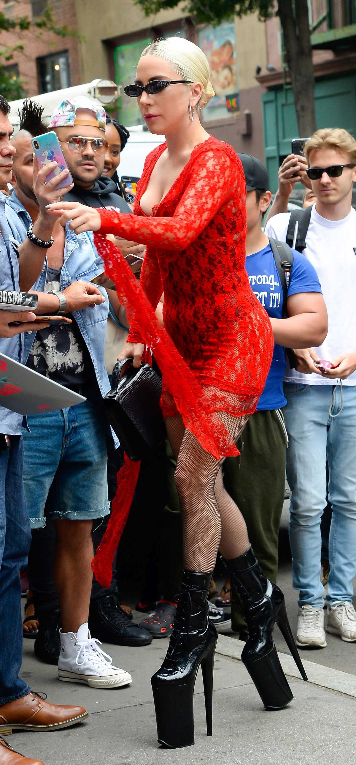 Lady Gaga Ben Affleck Ashley Graham Mellis protagonizan el 'Vaya toalla' de la semana