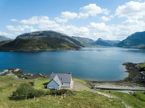 Idyllic Home For Sale In Scottish Highlands With Loch