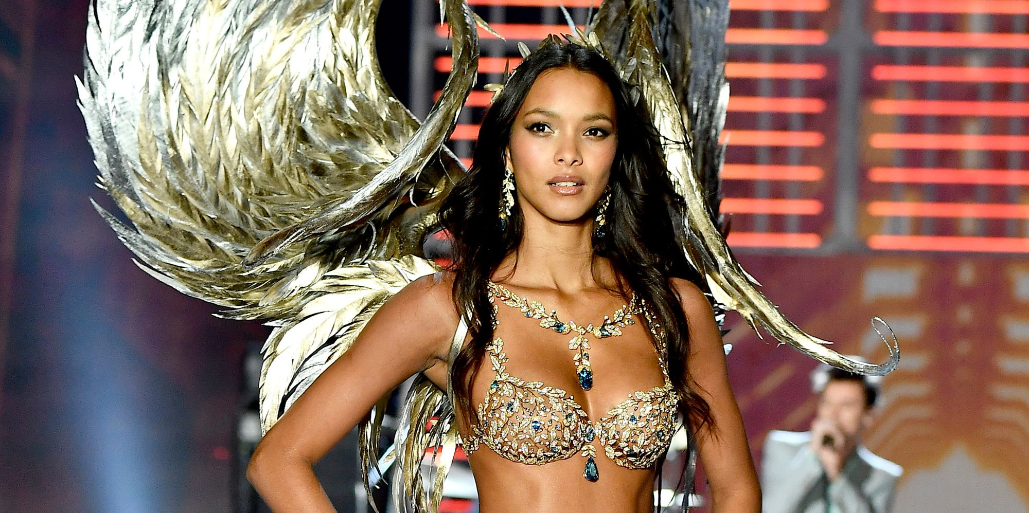 Kylie Jenner Vs Fashion Show >> Just 9 Pictures of Lais Ribeiro in the Fantasy Bra, Looking Flawless