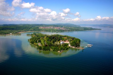 Water resources, Body of water, Water, Nature, Aerial photography, Sky, Lake, Natural landscape, Island, Reservoir,