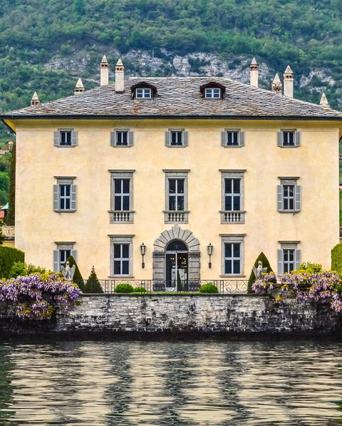 Estate, Building, Lake, House, Mansion, Château, Water, Tree, Villa, Architecture,