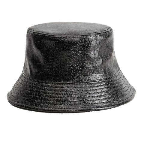 mango lakleren bucket hat