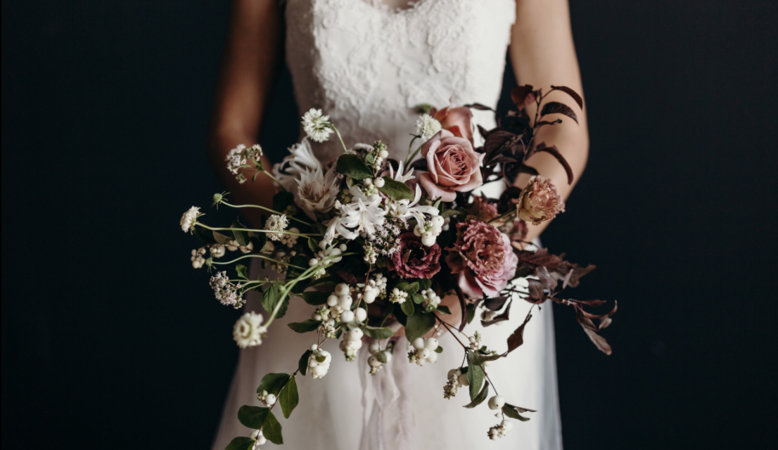 45 Strikingly Beautiful Fall Wedding Flowers and Bouquets