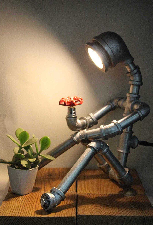Lámparas de sobremesa curiosas vistas en Amazon