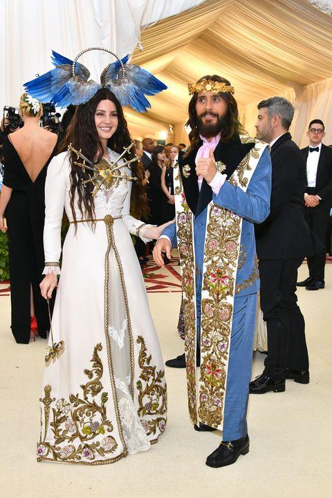 1f22f2ea5f3 Lana Del Rey and Jared Leto at Met Gala 2018 - Lana Del Rey Gucci