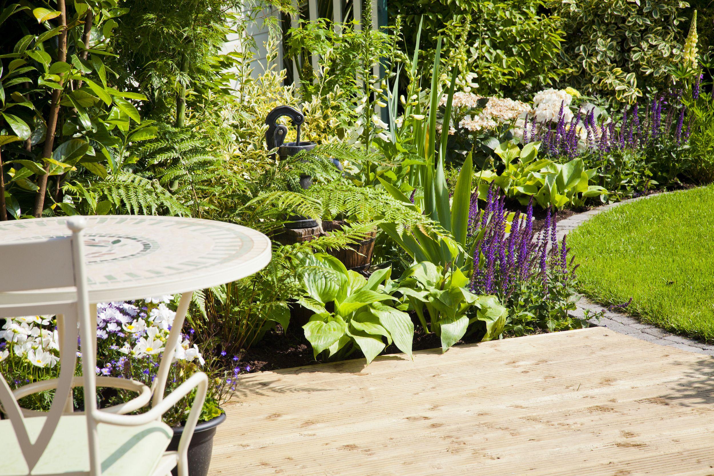 20 Cheap Garden Ideas   Best Garden Ideas On A Budget