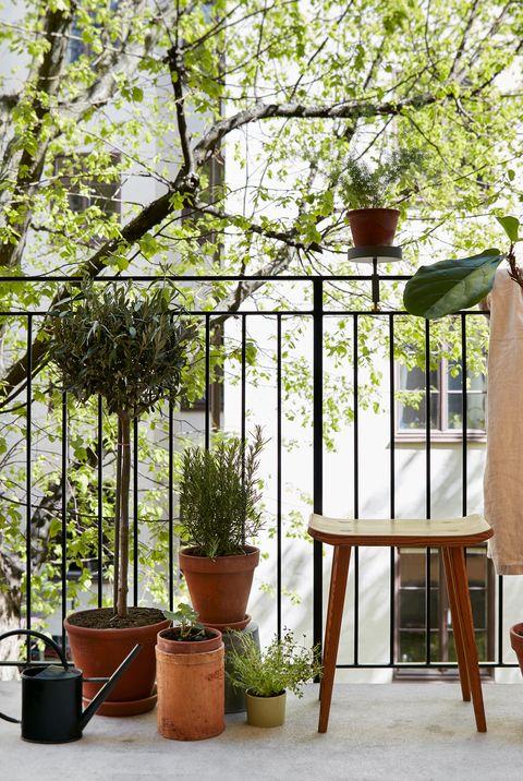 21 Cool Balcony Ideas - Stylish Balcony Decorating Tips and ...