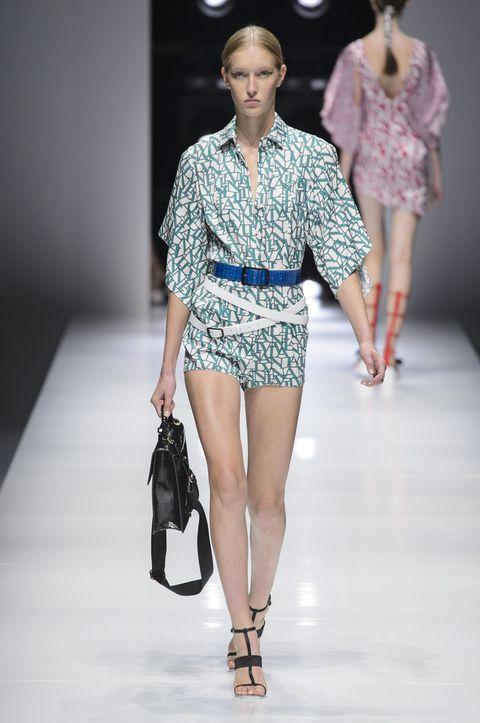 Fashion model, Fashion, Fashion show, Runway, Clothing, Fashion design, Public event, Event, Shoulder, Waist,