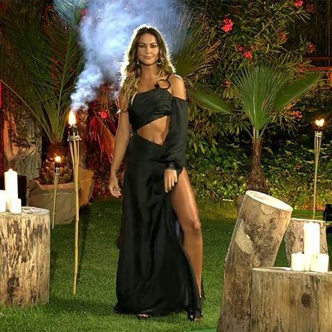 lara Álvarez se marca un 'angelina jolie' en la final de 'superviviente's