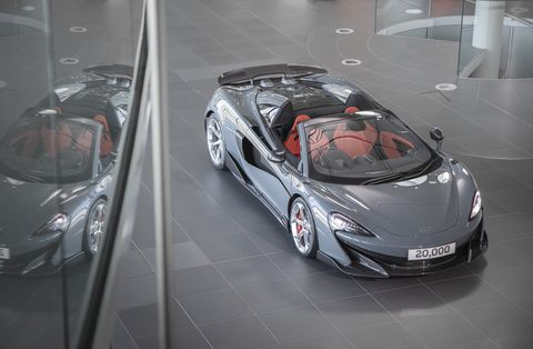 Land vehicle, Vehicle, Car, Supercar, Automotive design, Mclaren automotive, Mclaren mp4-12c, Sports car, Mclaren p1, Model car,