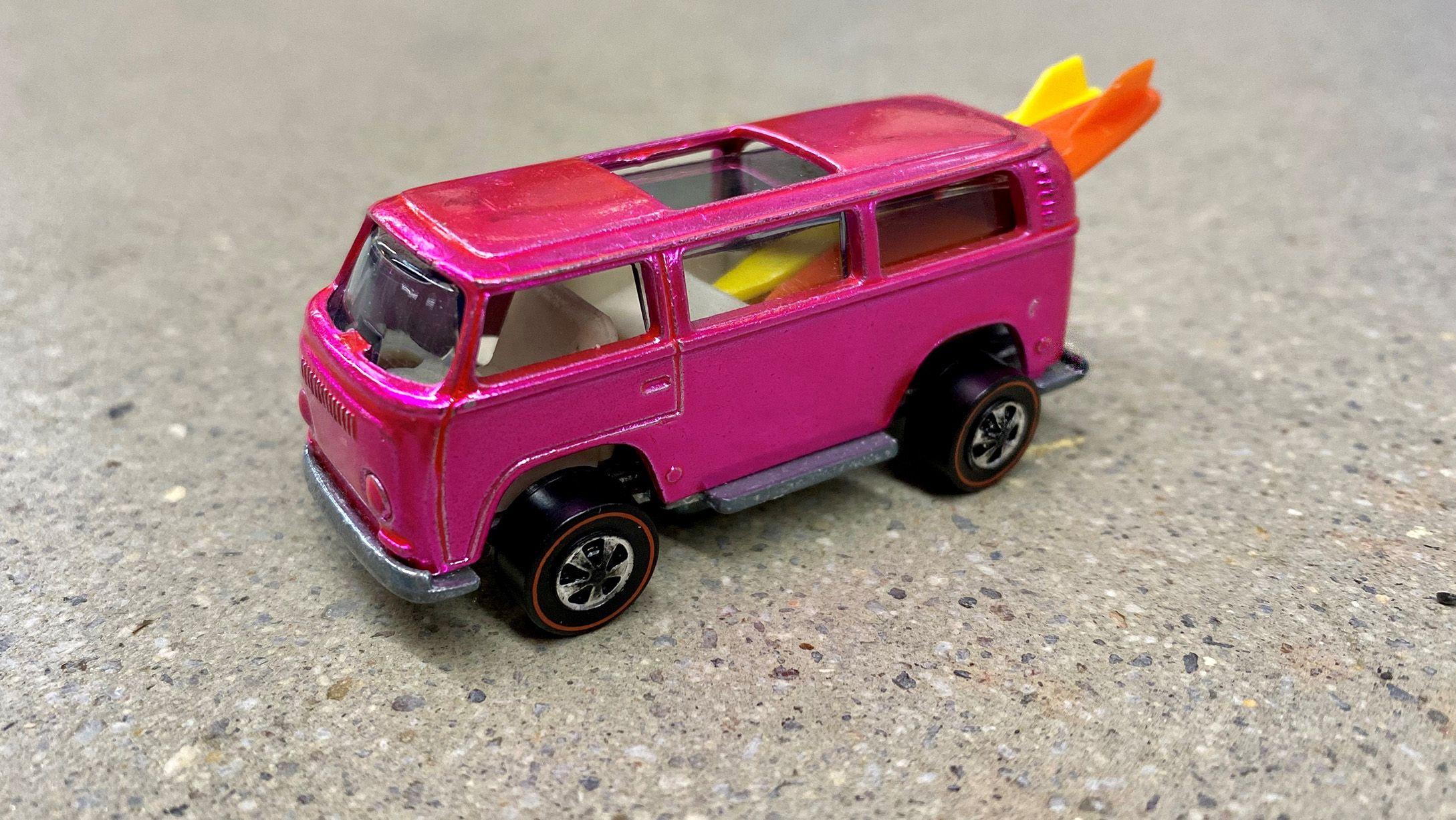 Pink Loading Volkswagen Beach Bomb 1969