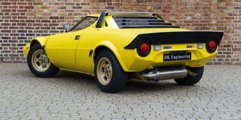 Land vehicle, Vehicle, Car, Regularity rally, Coupé, Sports car, Lancia stratos, Automotive design, Sedan, Classic car,