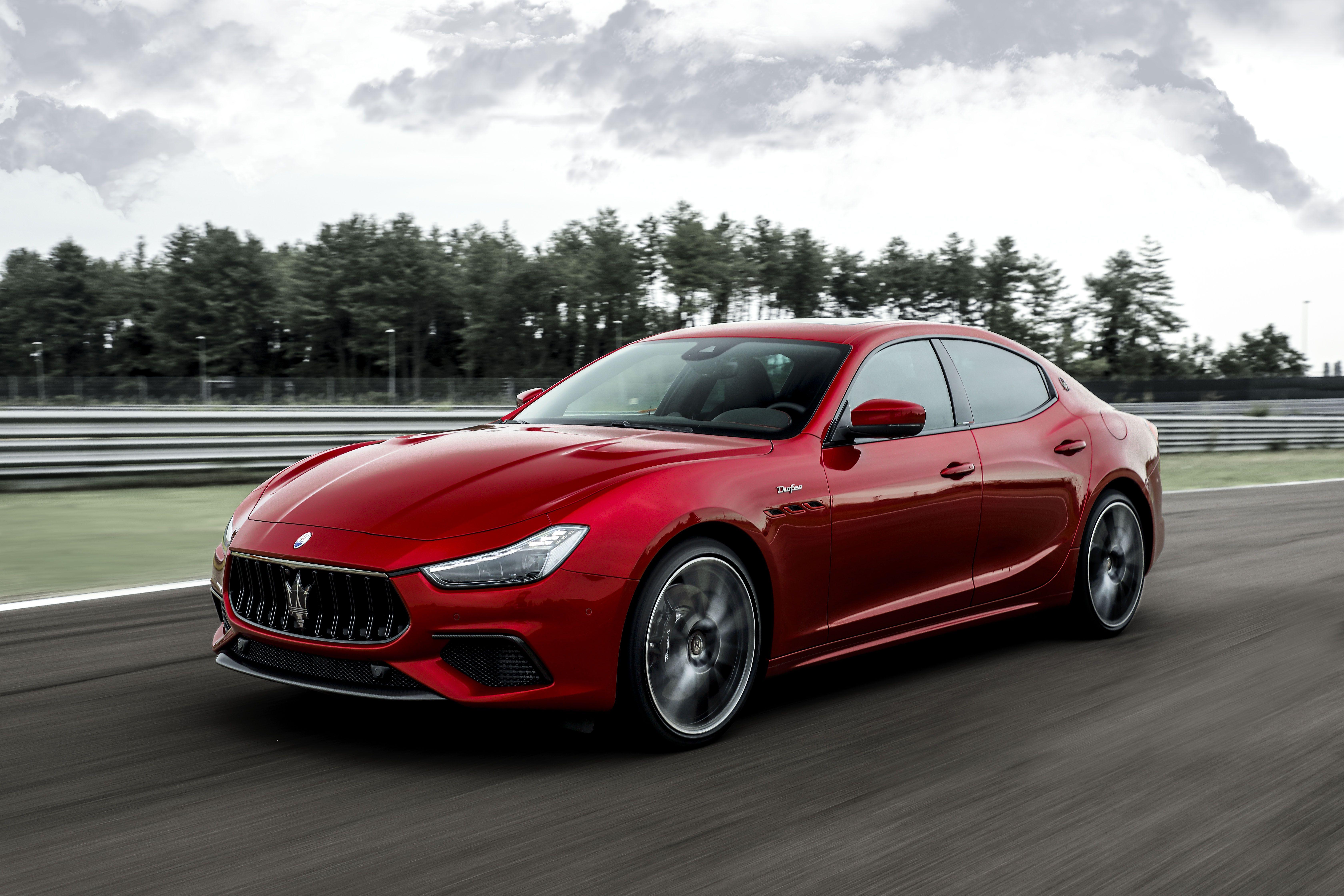 The Maserati Ghibli and Quattroporte Finally Get the 580-HP Ferrari V-8 They Deserve