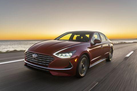 2020 Hyundai Sonata takes the mainstream sedan and makes it far more efficient