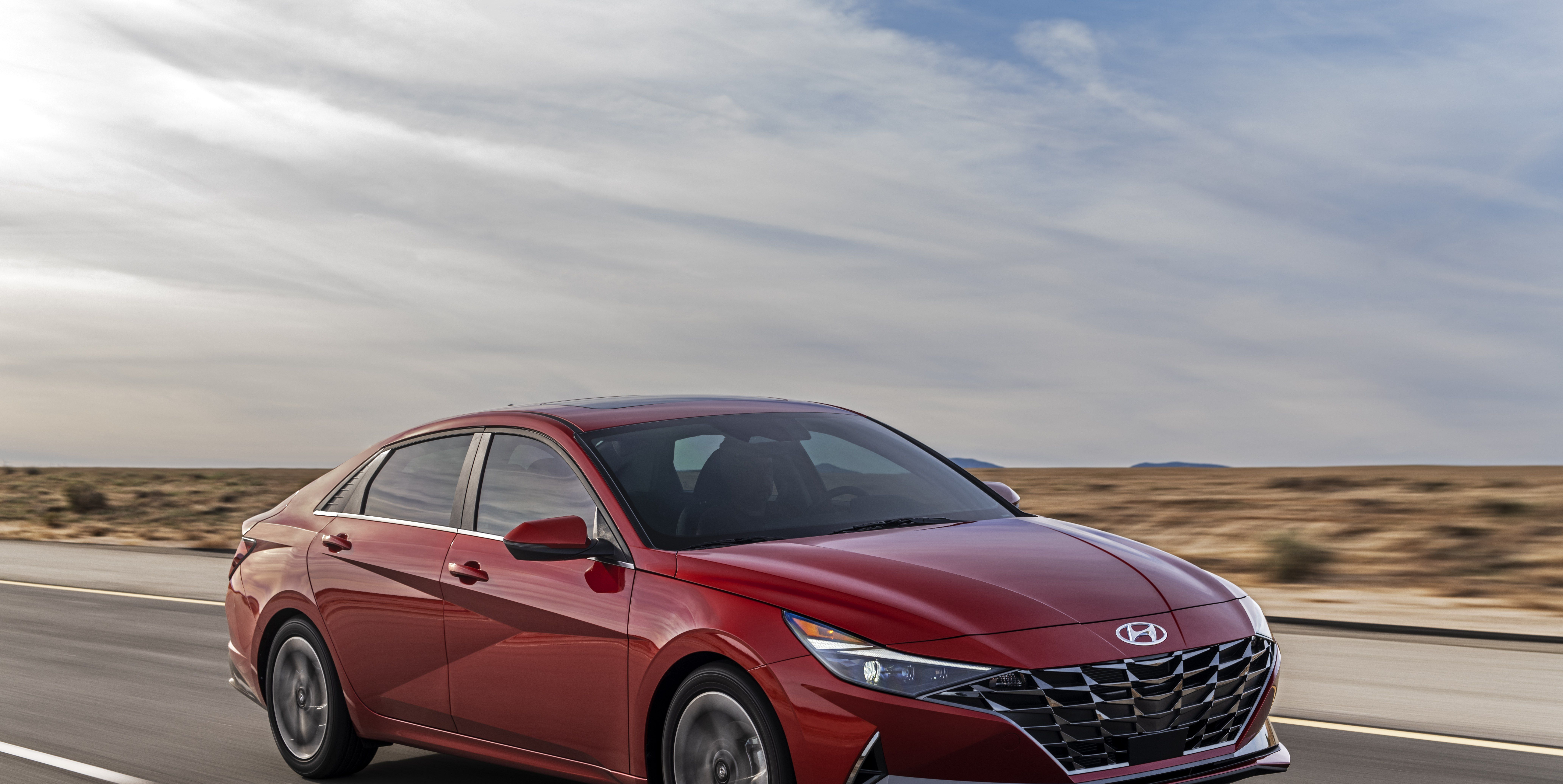 2021 Hyundai Elantra Sedan Looks Good, Adds a Hybrid Version