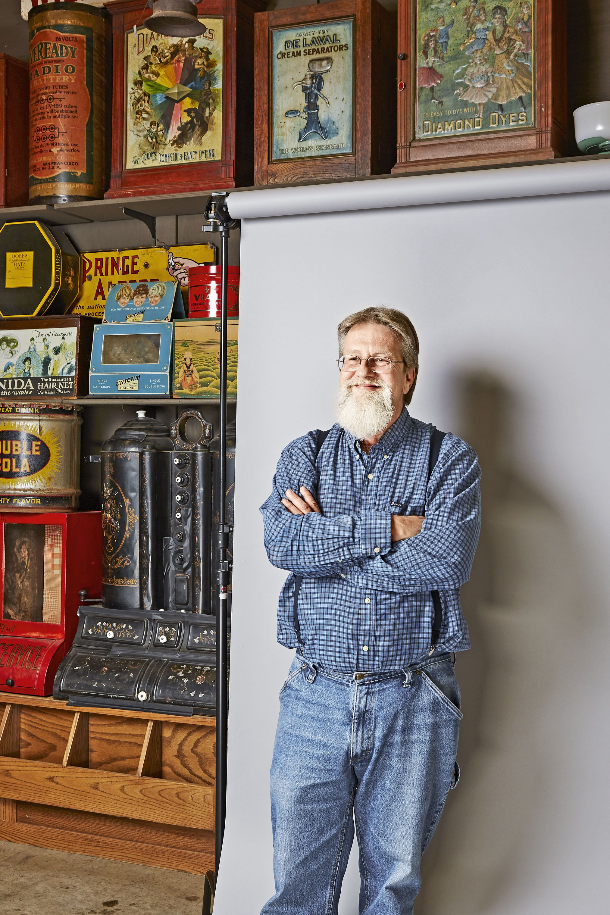 Meet Larry Singleton The Man In Charge Of Buying Antiques For