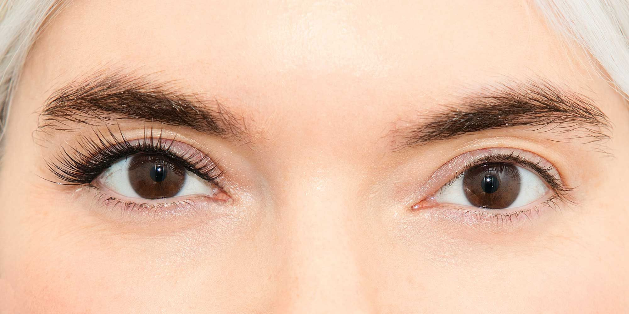 How To Apply Mascara Make Natural And Fake Lashes Look Fuller
