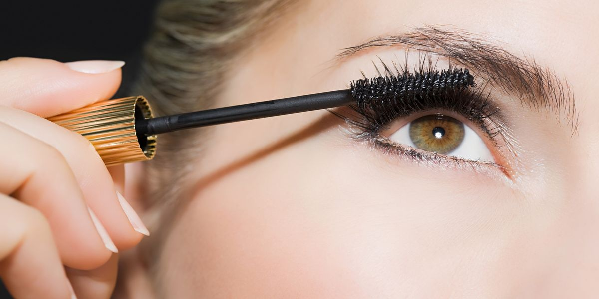 How To Make Your Eyelashes Look Longer Without Extensions