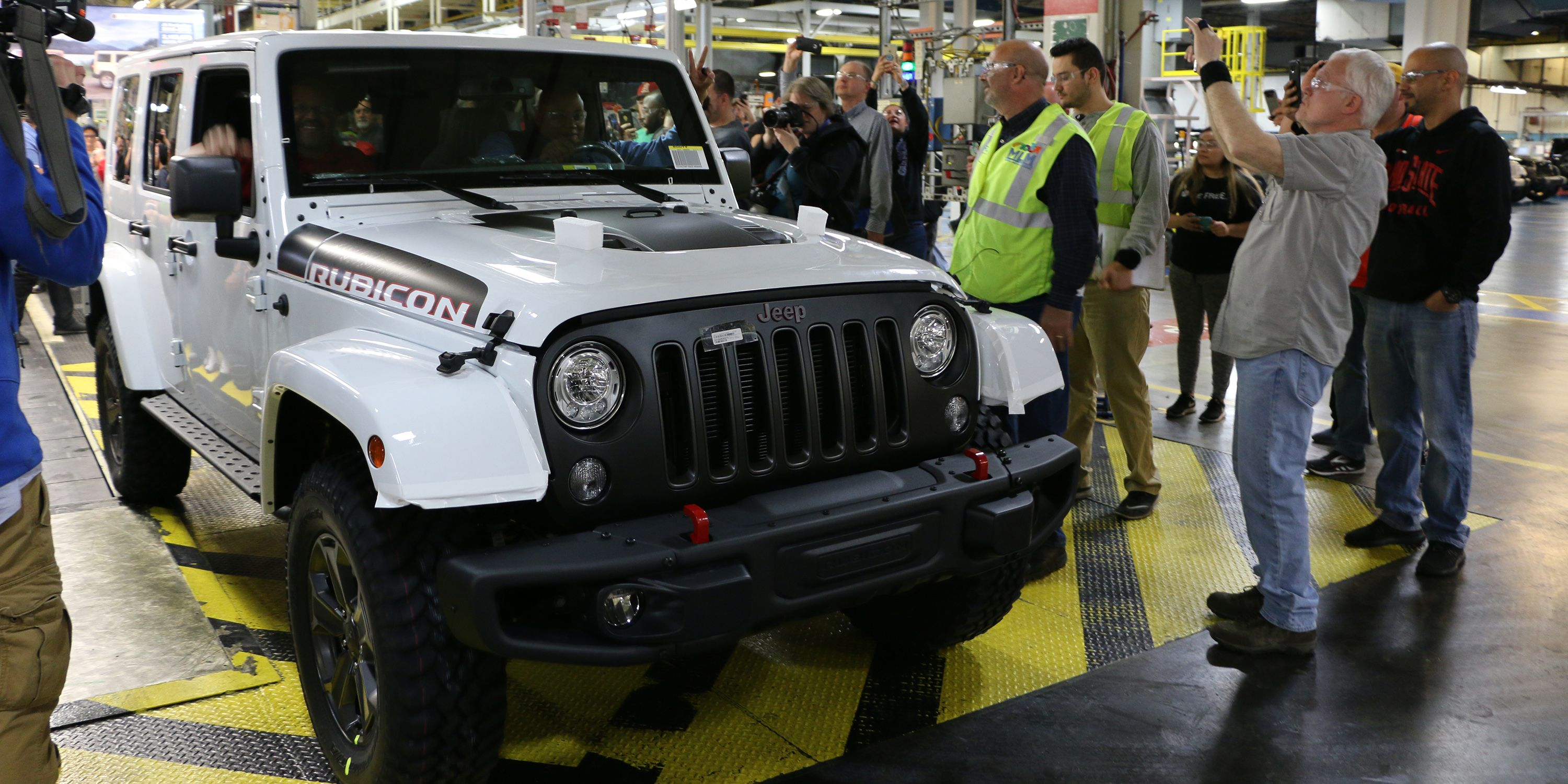 call bay sport pre owned watch door sale in wrangler youtube unlimited jeep florida tampa price for