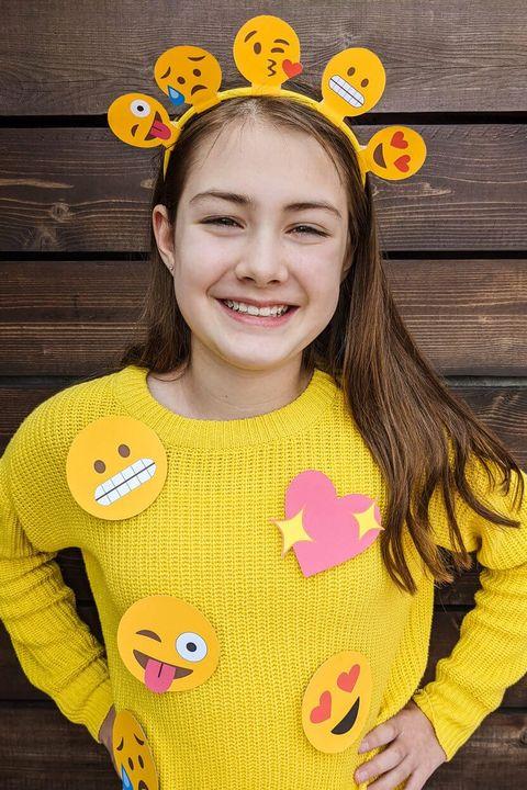 last minute halloween costumes emoji