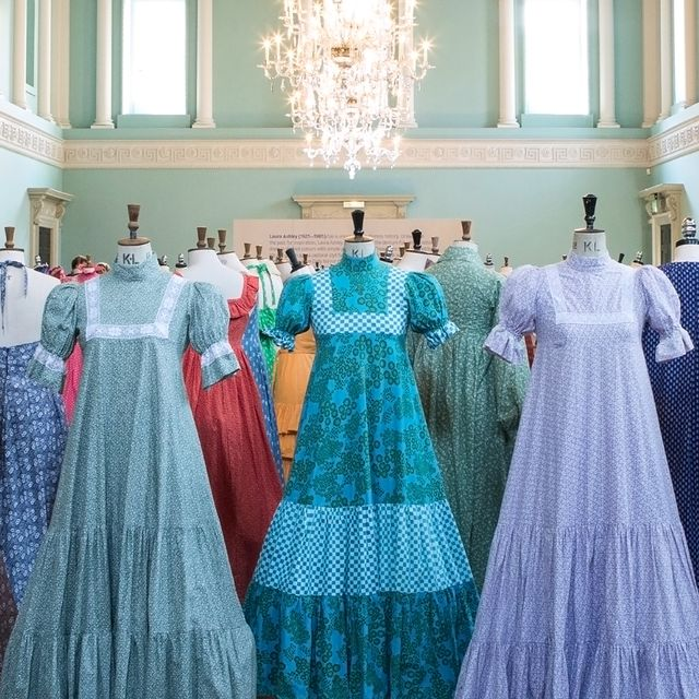 Dress, Blue, Clothing, Aqua, Gown, Turquoise, Shoulder, Fashion, Formal wear, Sleeve,