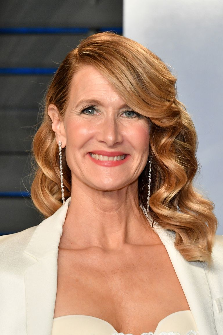 womens hair styles over 50 30 best hairstyles for 50 gorgeous haircut 7272 | laura dern hair 1520485674