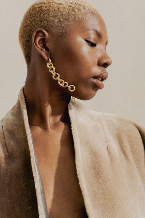 Hair, Hairstyle, Beauty, Neck, Ear, Lip, Buzz cut, Jewellery,