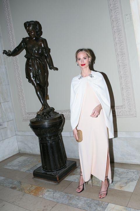 Statue, Sculpture, Fashion, Outerwear, Art, Dress, Fashion design, Costume, Style,