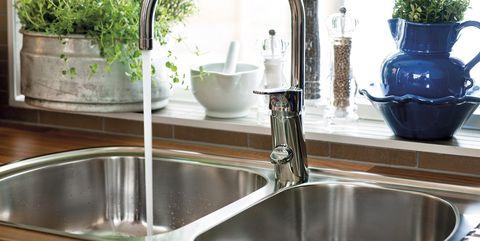 Sink, Tap, Kitchen sink, Countertop, Property, Plumbing fixture, Kitchen, Room, Interior design, Plumbing,