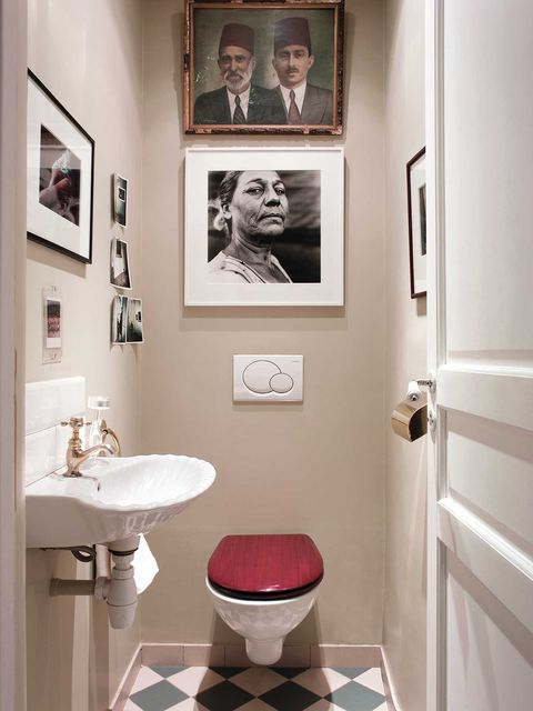 Lavabo decorado con fotos