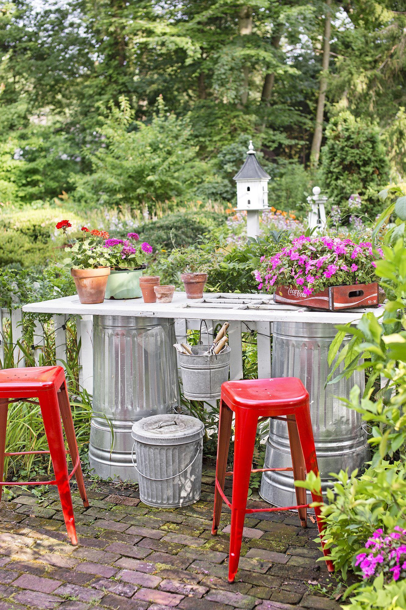 Wonderful Diy Backyard Garden Potting Station