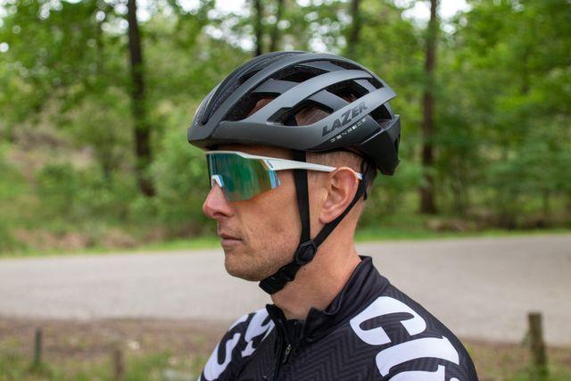 de 15 beste helmen voor op de racefiets