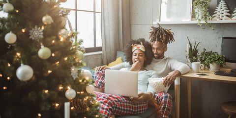 39 a christmas prince the royal wedding 39 staat vanaf vandaag op netflix. Black Bedroom Furniture Sets. Home Design Ideas