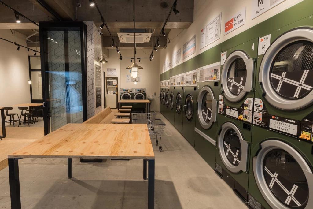 日本爆紅 BALUKO「洗衣咖啡館」!超迷人的複合式空間,不再呆坐自助洗衣機前發呆!