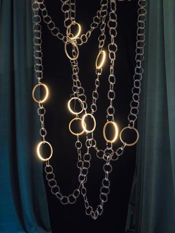 Chain, Necklace, Body jewelry, Jewellery, Fashion accessory, Metal, Silver, Gold, Brass, Hardware accessory,