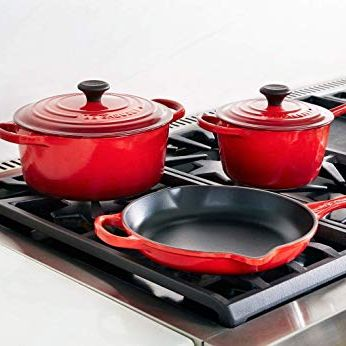 Cookware and bakeware, Red, Lid, Frying pan, Dishware, Ceramic, Tableware, Dutch oven, Plate, Food,