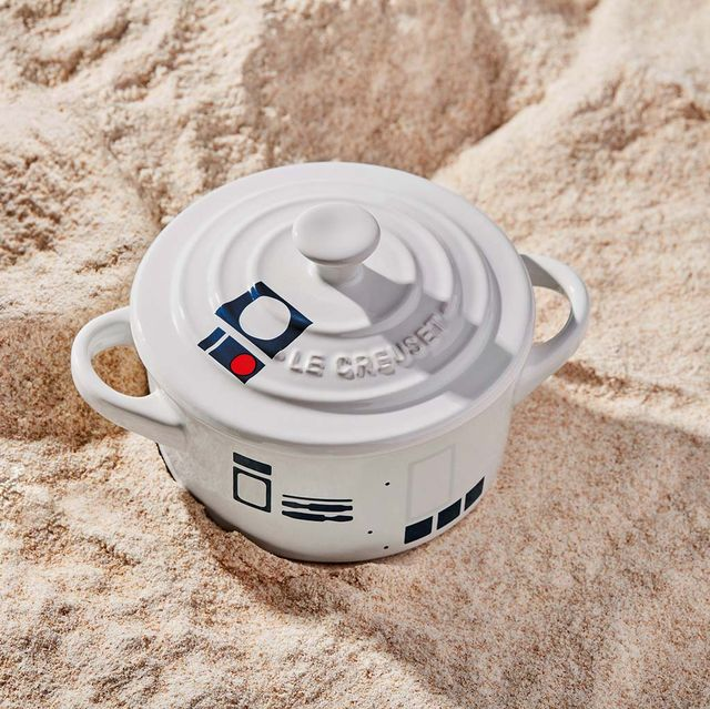 Lid, Coffee cup, Cup, Drinkware, Smoke detector, Tableware, Cup, Sand, Small appliance,