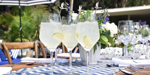 Glass, Tablecloth, Stemware, Drinkware, Dishware, Tableware, Linens, Drink, Serveware, Cocktail,