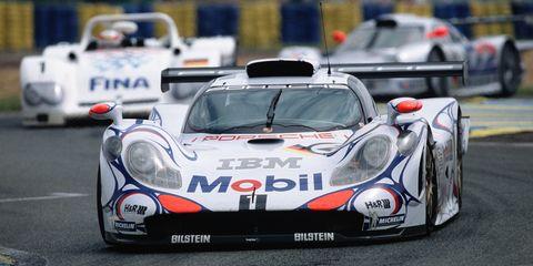 Land vehicle, Vehicle, Car, Race car, Sports car, Supercar, Motorsport, Sports car racing, Racing, Coupé,