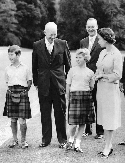 Le Président Eisenhower Et La Famille Royale Britannique A Balmoral