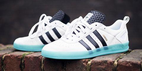 Shoe, Footwear, White, Sneakers, Walking shoe, Tennis shoe, Outdoor shoe, Athletic shoe, Skate shoe, Plimsoll shoe,